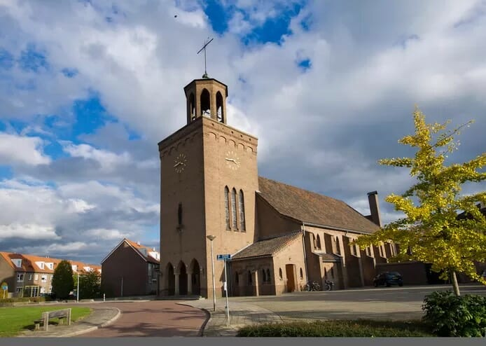 Succes Cuypersgenootschap: Lourdeskerk in Haaksbergen beschermd tegen de sloophamer