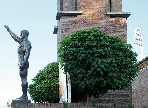Cuypersgenootschap volgt plannen Van Tuyll-monument Olympisch Stadion
